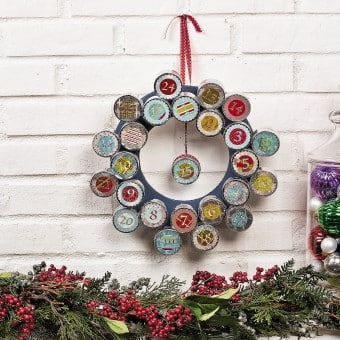 How to Make Decorations with Recycled Materials with Bottle Cap Wreath?